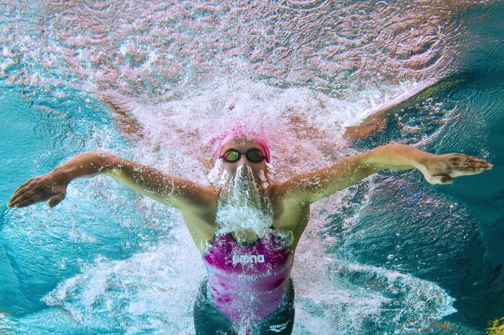 28.FRANCJA, Chartres, 10 kwietnia 2014: Charlotte Bonnet startująca w wyścigu na dystansie 100m. AFP PHOTO / DAMIEN MEYER