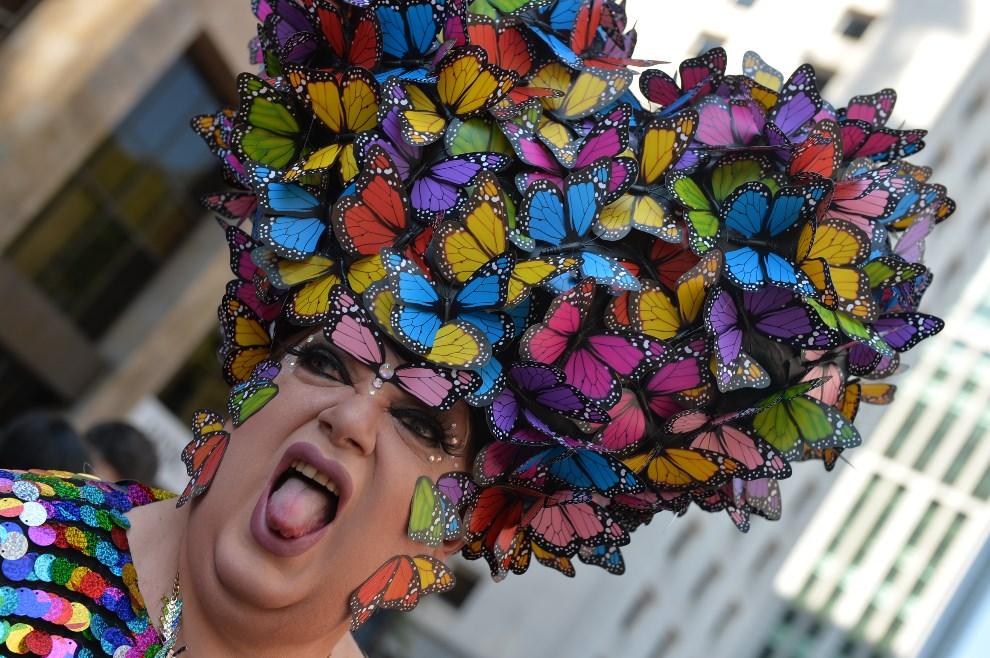 1.BRAZYLIA, Sao Paulo, 4 maja 2014: Uczestnik Gay Pride Parade w Sao Paulo. AFP PHOTO/Nelson ALMEIDA