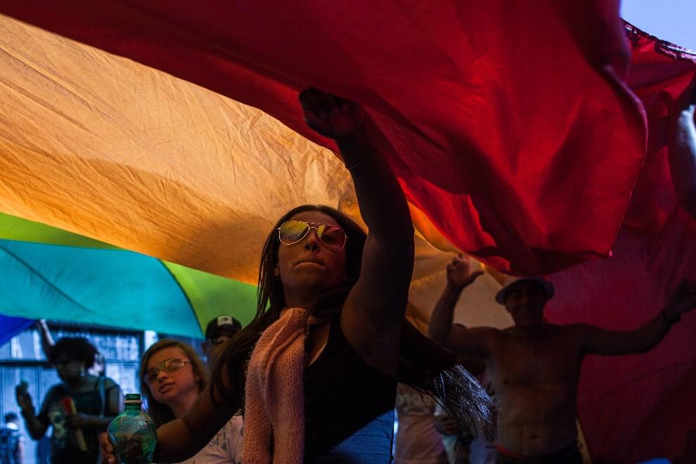 21.BRAZYLIA, Sao Paulo, 4 maja 2014: Uczestnicy Gay Pride Parade w Sao Paulo. (Foto: Victor Moriyama/Getty Images)