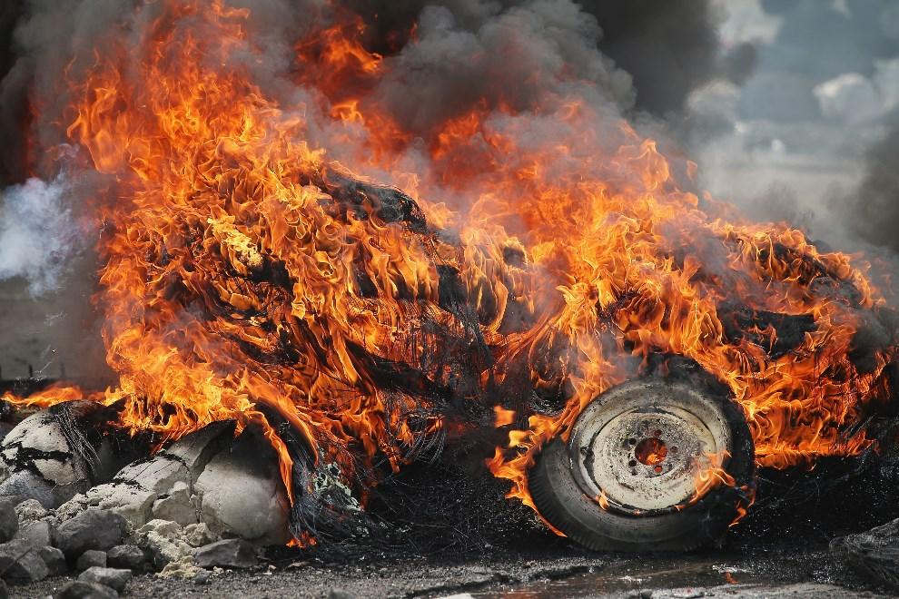 30.UKRAINA, Kramatorsk, 3 maja 2014: Barykada podpalona przez prorosyjskich aktywistów. (Foto: Scott Olson/Getty Images)
