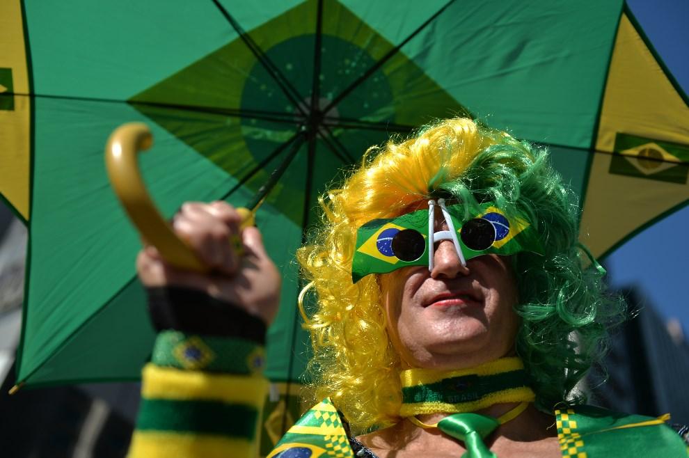 4.BRAZYLIA, Sao Paulo, 4 maja 2014: Uczestnik Gay Pride Parade w Sao Paulo. AFP PHOTO/Nelson ALMEIDA