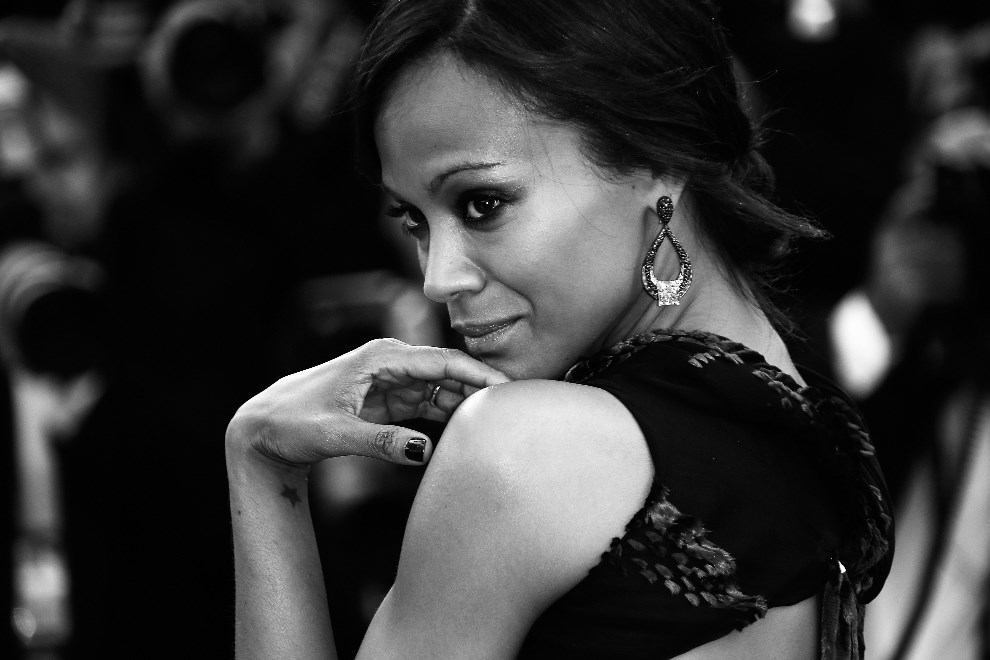 "7.FRANCJA, Cannes, 15 maja 2014: Zoe Saldana podczas premiery filmu""Mr. Turner"". AFP PHOTO / VALERY HACHE"