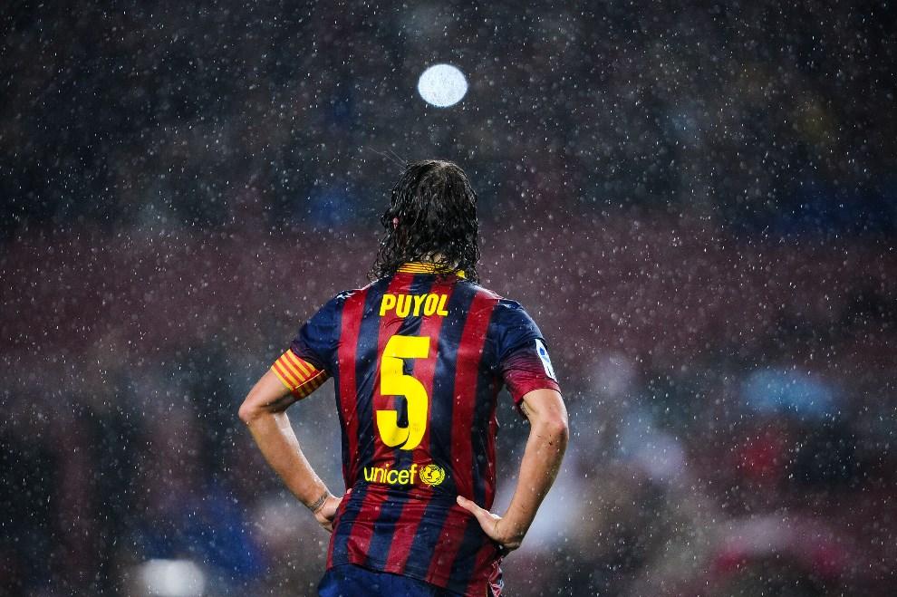 1.HISZPANIA, Barcelona, 29 stycznia 2014: Carles Puyol z FC Barcelona podczas ćwierćfinału  Copa del Rey. (Foto: David Ramos/Getty Images)