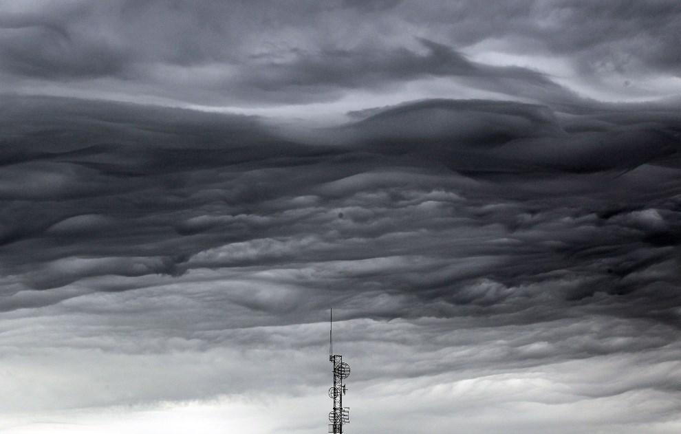 22.USA, Jolpin, 27 maja 2011: Niebo po przejściu tornado o sile F5. (Foto: Mario Tama/Getty Images)