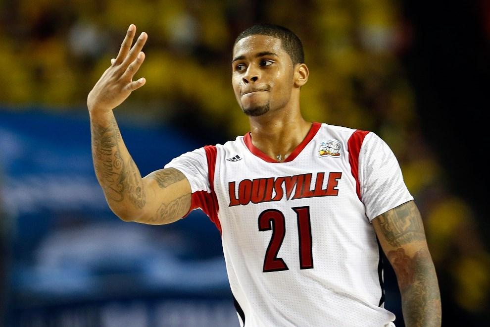 25.USA, Atlanta, 6 kweitnia 2013: Chane Behanan z Louisville Cardinals pokazuje pięć palców po zwycięstwie w półfinale ligi NCAA. (Foto: Kevin C. Cox/Getty   Images)