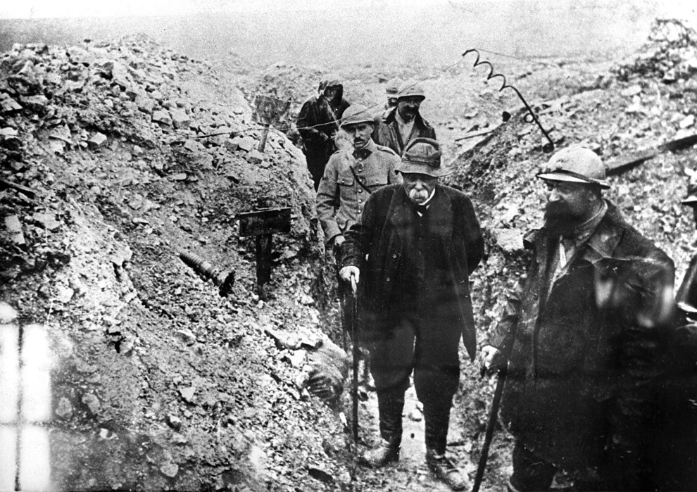 26.FRANCJA, Verdun: Georges Clemenceau wizytujący okopy pod Verdun. AFP