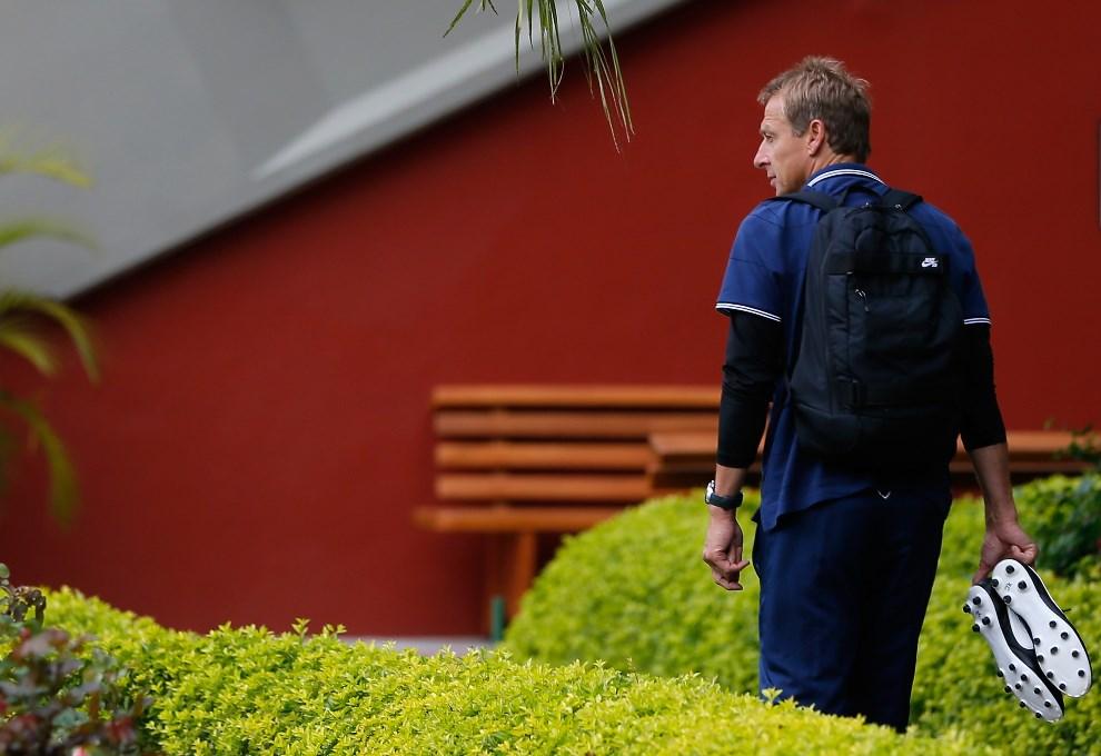 32.BRAZYLIA, Sao Paulo, 10 czerwca 2014: Jürgen Klinsmann, trener reprezentacji USA, przed treningiem swojego zespołu. (Foto: Kevin C. Cox/Getty Images)