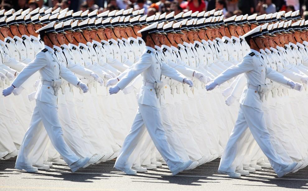 36.CHINY, Pekin, 1 października 2009: Parada wojskowa z okazji 60. rocznicy założenia Chińskiej Republiki Ludowej. (Foto: Feng Li/Getty Images)