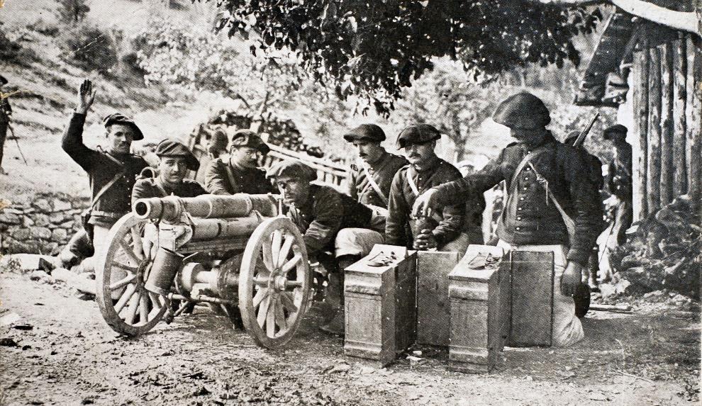 37.FRANCJA: Francuski oddział piechoty górskiej z działem  65 mm. AFP PHOTO