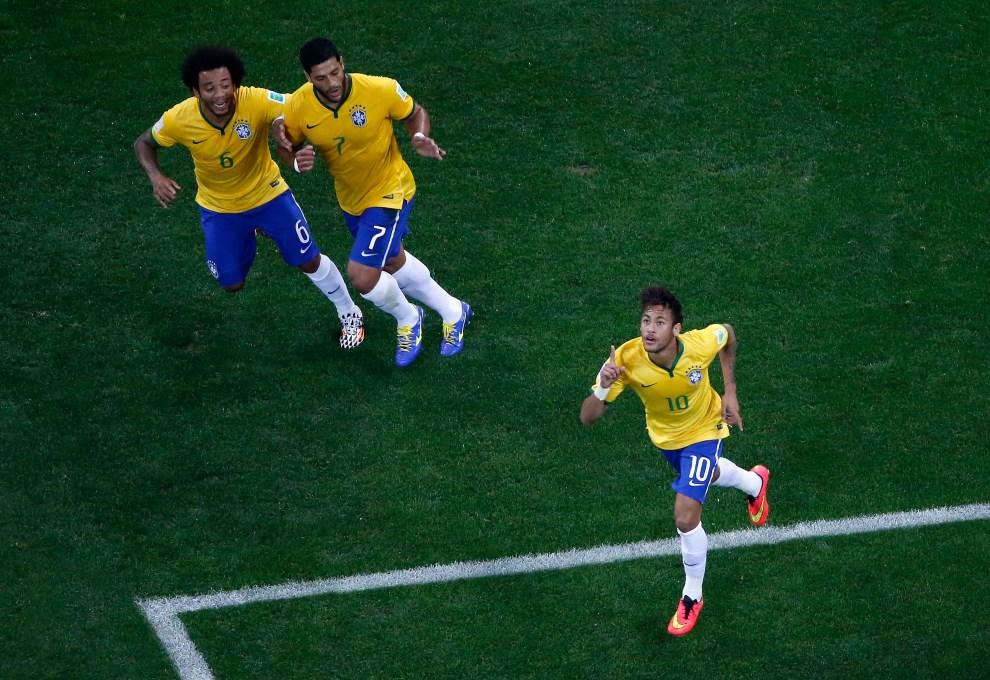 5.BRAZYLIA, Sao Paulo, 12 czerwca 2014: Neymar (Brazylia) cieszy się ze zdobytego gola. (Foto: Fabrizio Bensch - Pool/Getty Images)