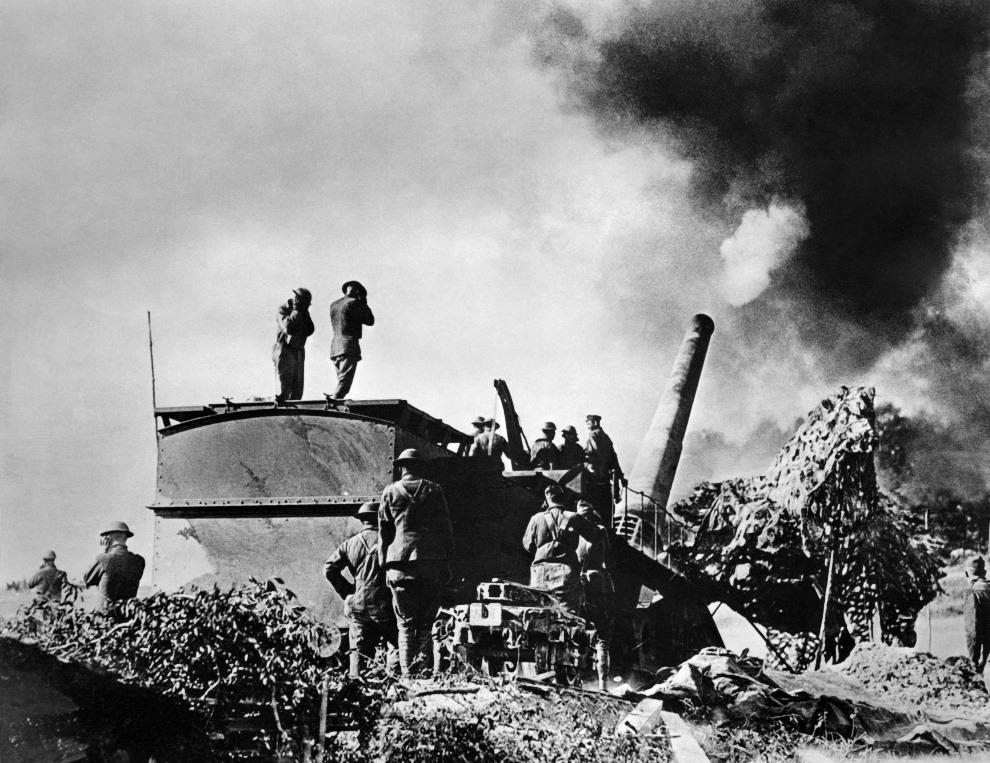7.FRANCJA, Verdun, wrzesień 1918: Amerykańska artyleria ostrzeliwujące pozycje wroga. AFP PHOTO