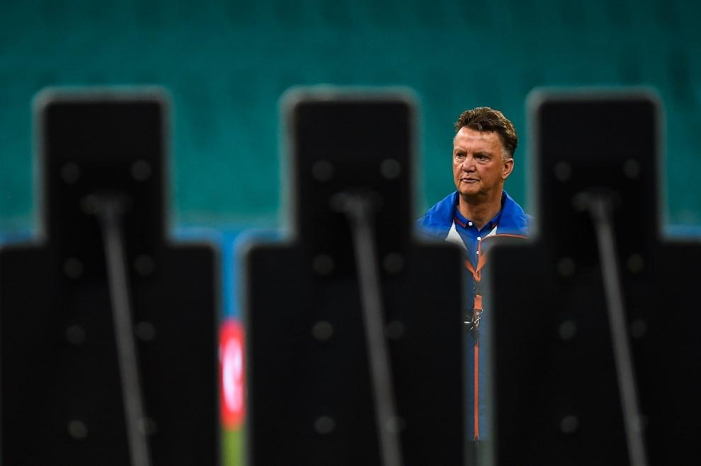 9.BRAZYLIA, Salvador, 12 czerwca 2014: Holenderski trener, Louis Van Gaal, podczas treningu. (Foto: David Ramos/Getty Images)