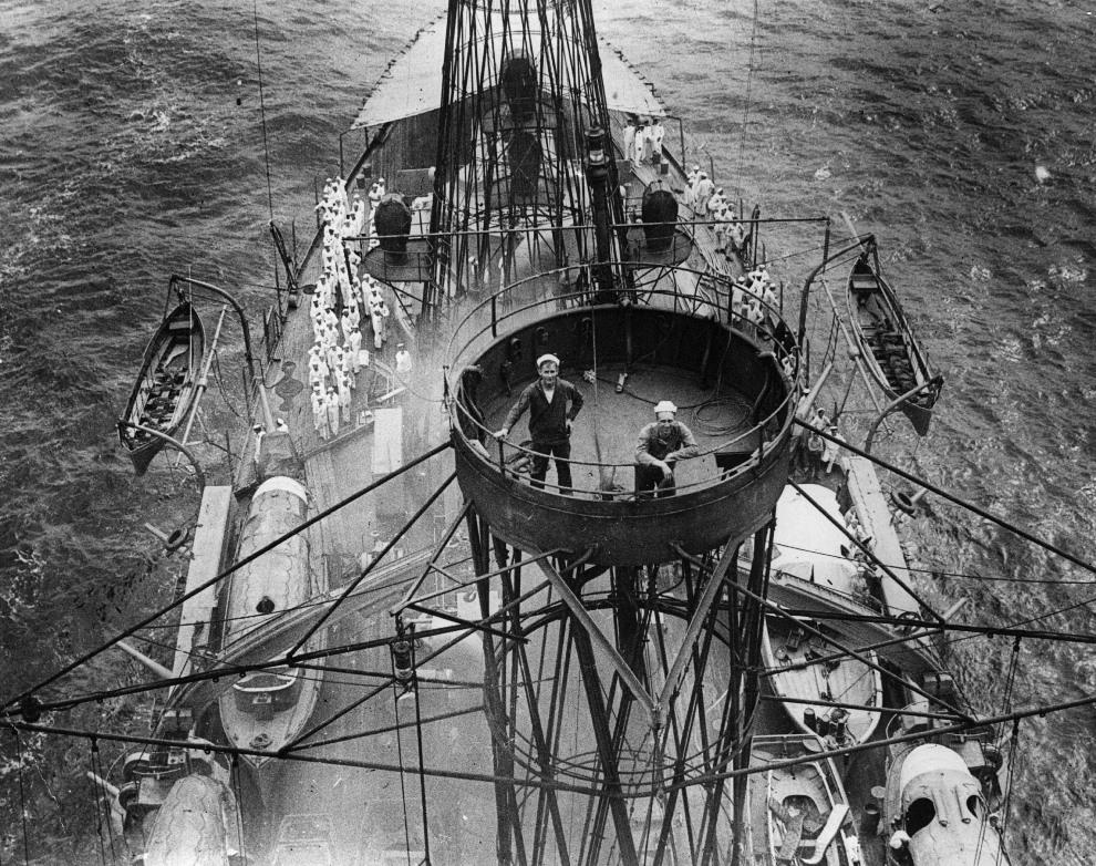 """10.Styczeń 1917: Amerykańscy marynarze na pokładzie jednostki """"Kentucky"""". (Foto: Topical Press Agency/Getty Images)"""