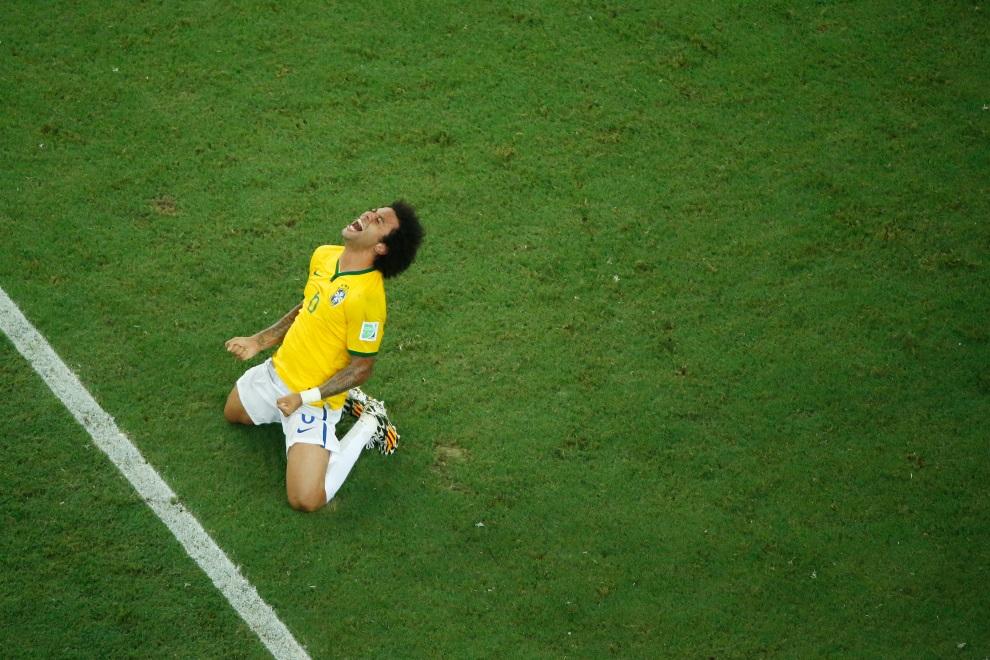 15.BRAZYLIA, Fortaleza, 4 lipca 2014: Marcelo po zakończonym meczu Brazylia – Kolumbia. AFP PHOTO / POOL / FABRIZIO BENSCH