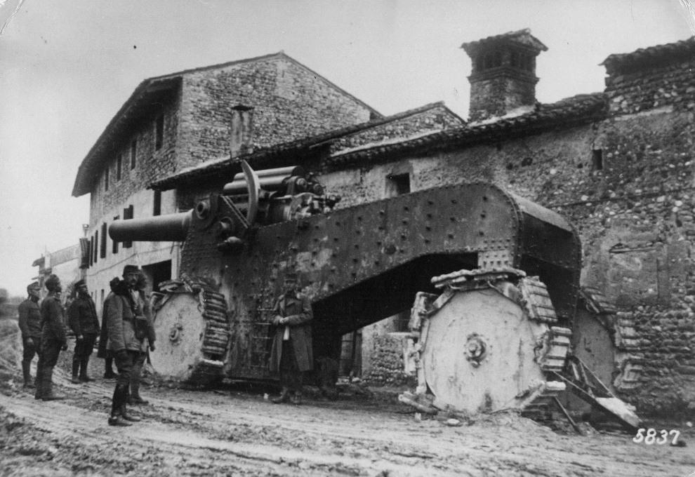 22.1916: Włoska haubica zdobyta przez Austriaków. (Foto: General Photographic Agency/Getty Images)