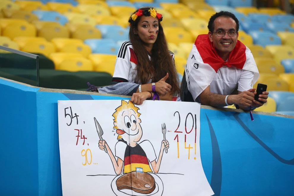 24.BRAZYLIA, Rio de Janeiro, 13 lipca 2014: Niemieccy kbicie na trybunach stadionu Maracana. (Foto: Julian Finney/Getty Images)