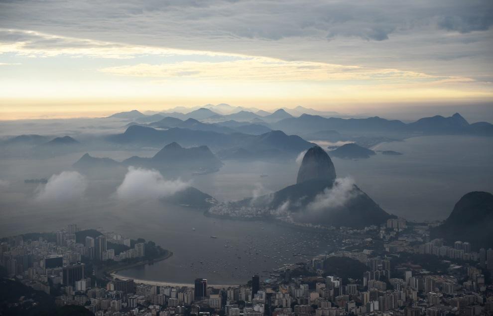 35.BRAZYLIA, Rio de Janeiro, 3 lipca 2014: Panorama Rio de Janeiro. AFP PHOTO / ANNE-CHRISTINE POUJOULAT