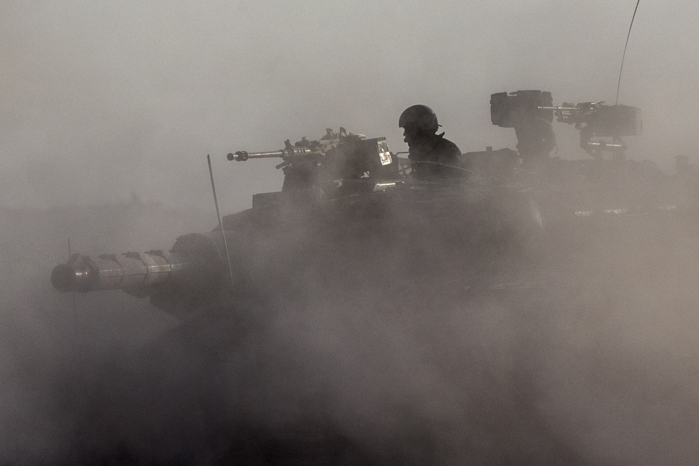5.IZRAEL (pogranicze), 17 lipca 2014: Izraelska Merkava zmierzająca w kierunku Strefy Gazy. AFP PHOTO / JACK GUEZ
