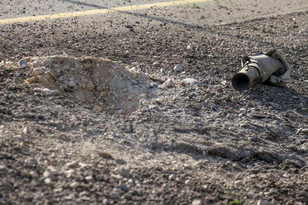 7.IZRAEL (pogranicze), 10 lipca 2014: Pozostałości palestyńskiej rakiety. AFP PHOTO / JACK GUEZ