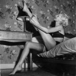 75 lat nylonowych pończoch