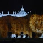 Niezwykła iluminacja w Watykanie
