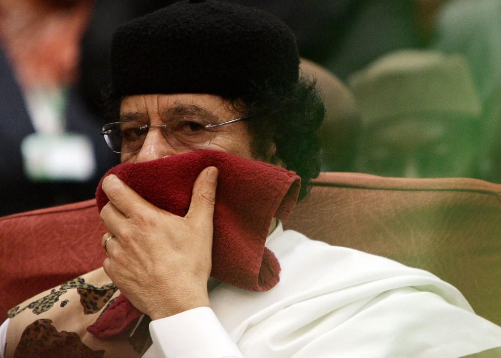 10. SUDAN, Chartum, 23 stycznia 2006: Muammar al-Kaddafi na posiedzeniu Unii Afrykańskiej. AFP PHOTO/GIANLUIGI GUERCIA