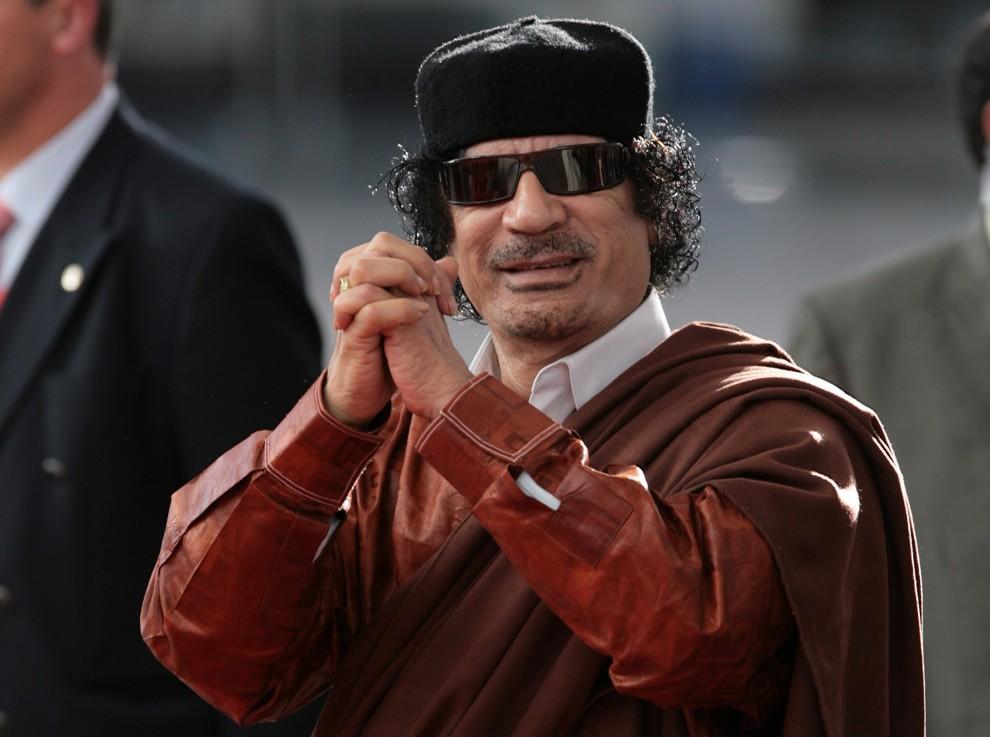 25. PORTUGALIA, Lizbona, 8 grudnia 2007: Muammar al-Kaddafi na szczycie Unii Europejskiej. AFP PHOTO / NICOLAS ASFOURI