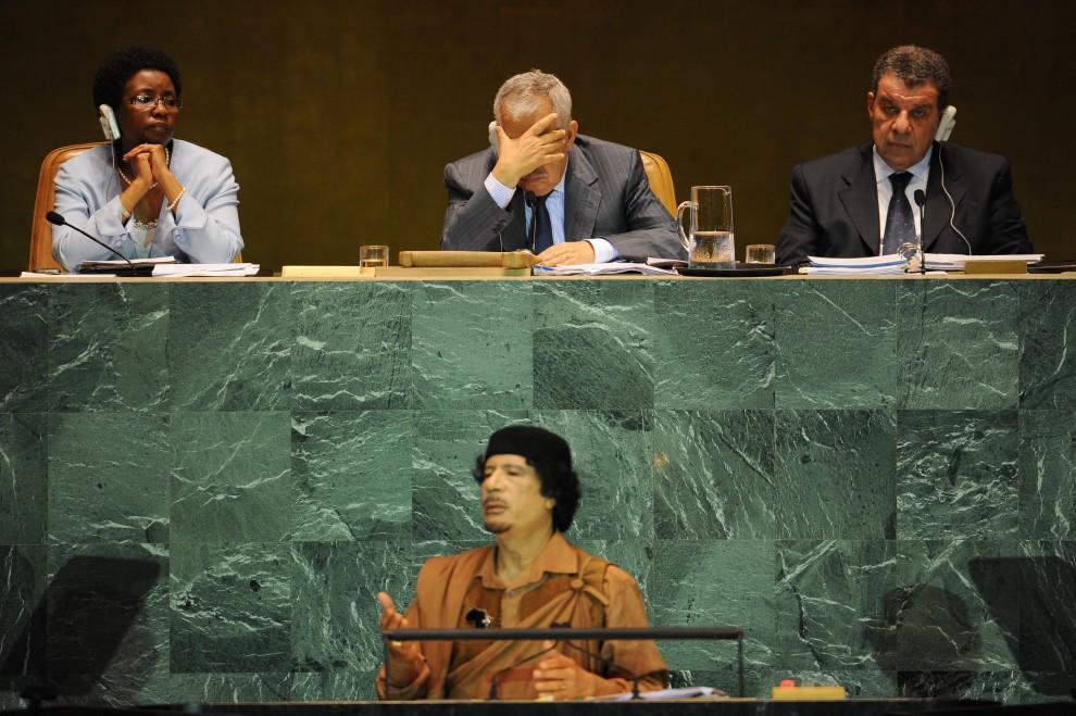 34. USA, Nowy Jork, 23 września 2009: Przewodniczący Zgromadzenia Ogólnego ONZ słucha wystąpienia Muammara al-Kaddafiego. AFP PHOTO/Stan HONDA